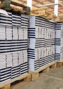 Sporos 2014-1 16 kinesiske bibler klar for pakking og utsendelse