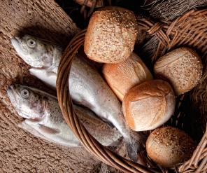To fisker og 5 brød
